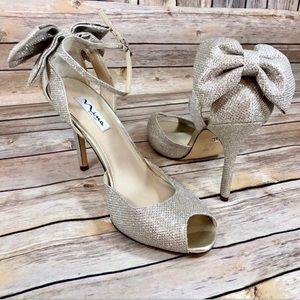 Nina Champagne slingback Peeptoe bow heels NWOT